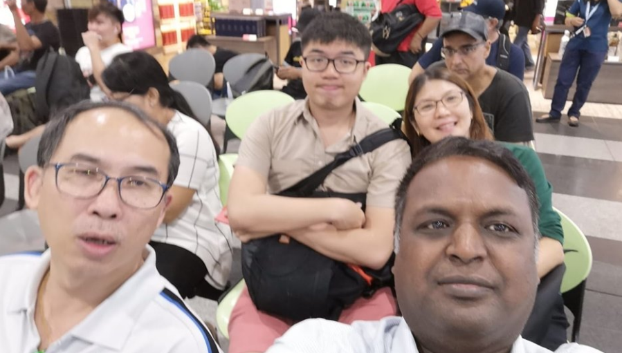 Mr.Low Family Visit Thambi Robot Lab